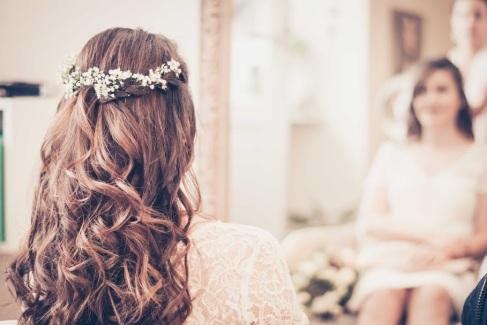 coiffure mariée champêtre gypsophile préparation bohème chic -love and do mariage