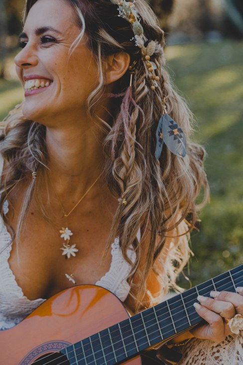 collier guitare plume ambiance -love and do mariage