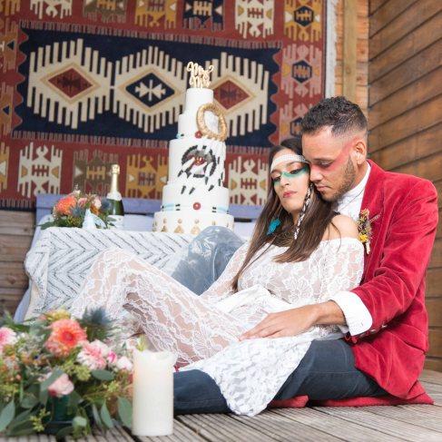 couple, photo de couple, mariage , amoureux, repos ,détente, wedding cake, amérindien - love and do mariage