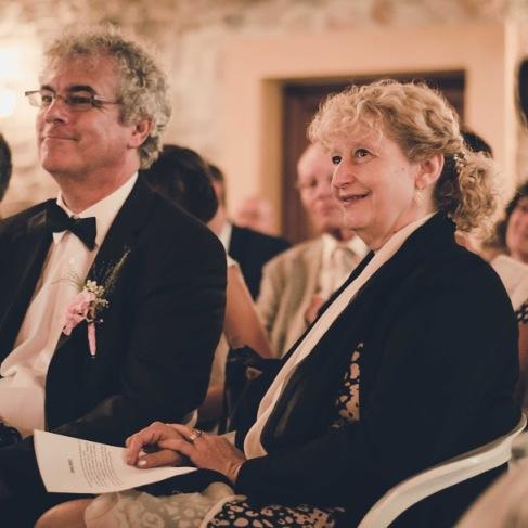 famille mariage cérémonie laïque émotion parents marié mariée -love and do mariage
