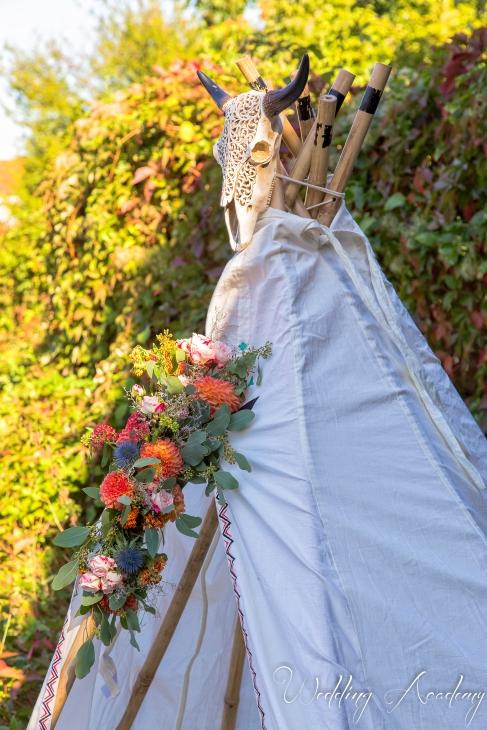 tipi fleuri, détails, tente, repos, coin photo, photobooth - love and do mariage
